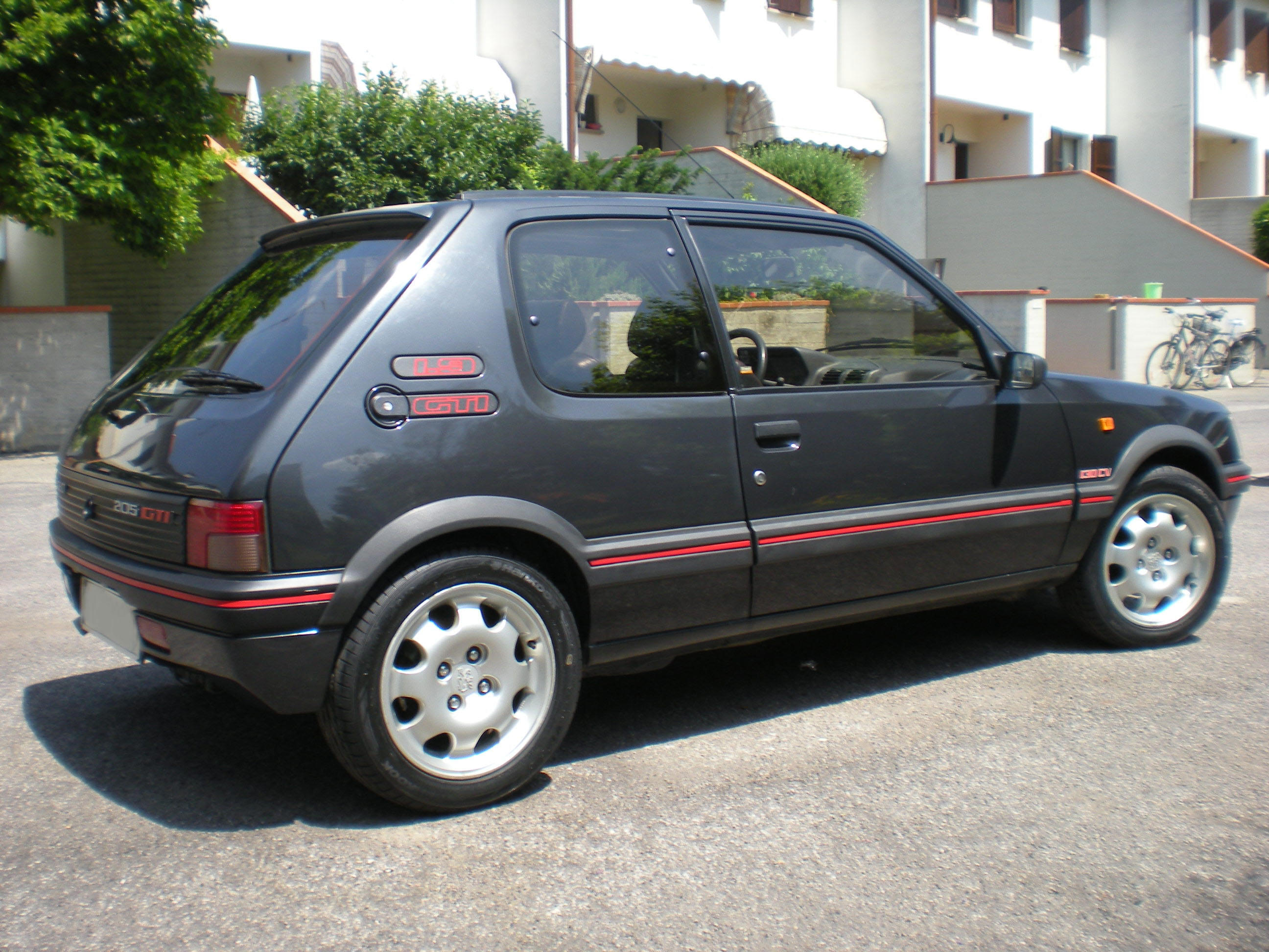 peugeot 205 gti di gaga. Black Bedroom Furniture Sets. Home Design Ideas